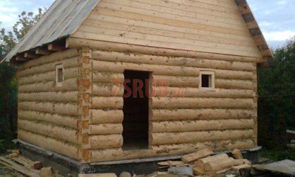 Сруб бани 3 на 5 с двускатной мансардной крышей