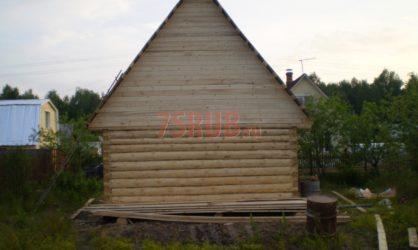 Сруб бани 6 на 6 с двускатной мансардной крышей