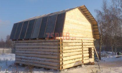 Сруб бани 5 на 6 с ломаной мансардной крышей