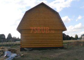 Сруб бани 6 на 6 с ломаной мансардной крышей