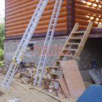 Сруб дома 6 на 6 метров с верандой и ломаной крышей(4)