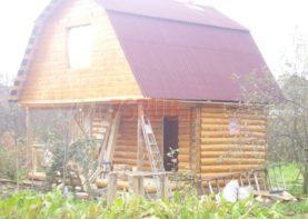 Сруб дома 4 на 5 с верандой и ломаной крышей