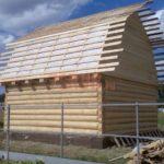 Сруб дома 6 на 6 с ломаной крышейСруб дома 6 на 6 с ломаной крышей(4)