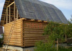 Сруб дома 5 на 6 с верандой и ломаной крышей
