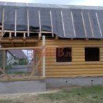 Сруб дома 5 на 5 метров с мансардой и ломаной крышей(2)