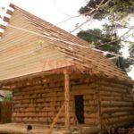 Реализованный сруб дома с верандой
