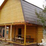 Сруб дома 4 на 6 метров с верандой и ломаной крышей
