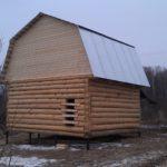 Сруб дома 5 на 6 метров с ломаной крышей(1)
