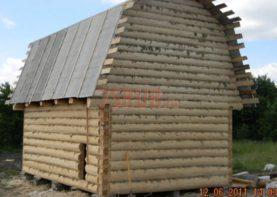 Сруб дома 3 на 6 с ломаной крышей